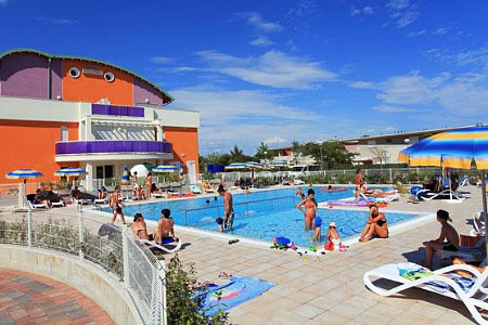 APARTMENT BIBIONE (WITH POOL)