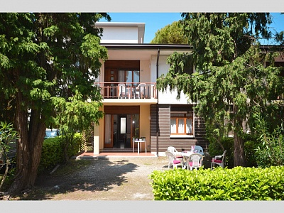 Продам недорого свою 4-х комнатную квартиру в Генуе